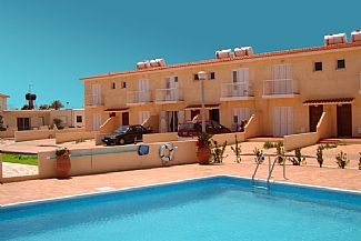 Photo for Beautiful Townhouse With Communal Pool & Free wifi