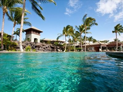 The pool is the best in the Mauna Lani....waterfall, jacuzzi ....very large!!!