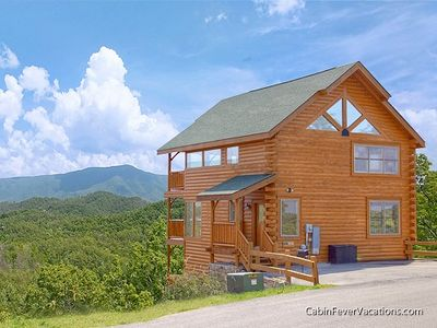 Photo for Amazing Mt. View, Luxurious, Spacious 3 Bedroom Cabin, Sleeps 12