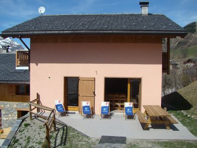 Photo for Spacious chalet 100m from the slopes of St Martin / 3 valleys ideal for families or friends