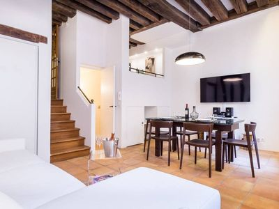 Photo for Amazing 2bedrooms for 7p - Place des Vosges