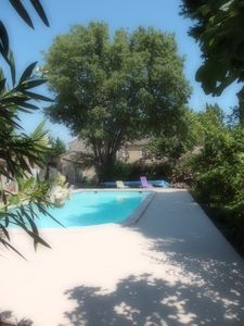 Photo for Near Avignon, detached cottage on the edge of a quiet river