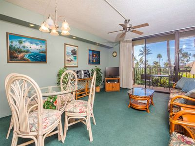 Photo for Laid Back Condo Comfort w/AC, WiFi, Washer/Dryer, Kitchen Perks–Kamaole Sands 5207
