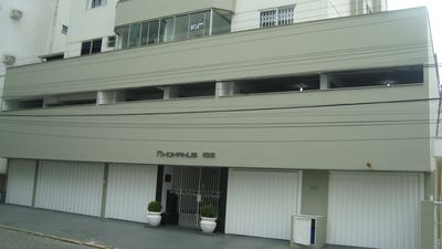 Photo for Beautiful, comfortable and spacious apartment. Less than two blocks from the beach. center!!!