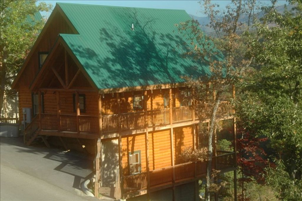 cabin deck picture pigeon gf pigeonforge top get in free forge cabins over tickets of the from