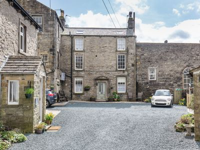 Photo for Fern House, Grassington; central yet parking & quiet, light & period elegance