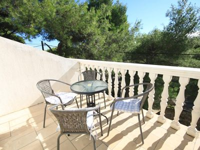 Photo for One bedroom apartment with terrace Rukavac (Vis)