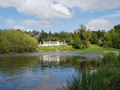 Photo for DRYBURGH STIRLING TWO, sleeps 4 in 2 bedrooms near St Boswells