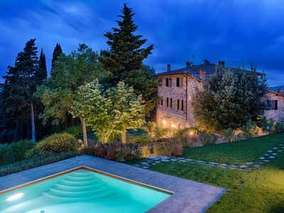 Luxury Chianti with Charme, View, Pool and private Patio