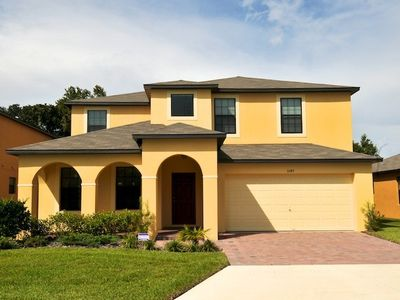 Luxury  5 Bed 4.5 Bath Villa In Gated Communty 10 Mins from Disney