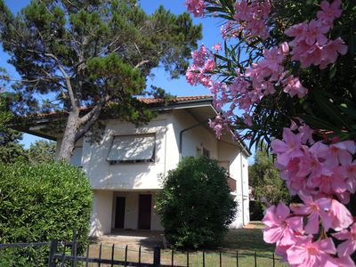 Photo for Villa 50 meters from the beach Giannella, large private garden
