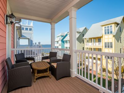 Photo for Spacious Home Near Pools, Clubhouse & Private Bayfront Beach