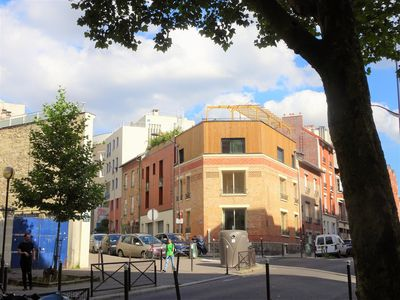 Comfortable house for 10 people in Paris, with 3 bathrooms and roof terrace