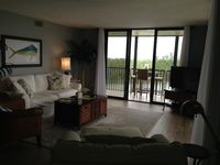 Beautiful condo, nicely furnished and decorated with well equipped kitchen.
