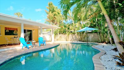 Photo for Coral Breeze (A) Perfect 2 bedroom/2 bathroom with private pool! Pet friendly