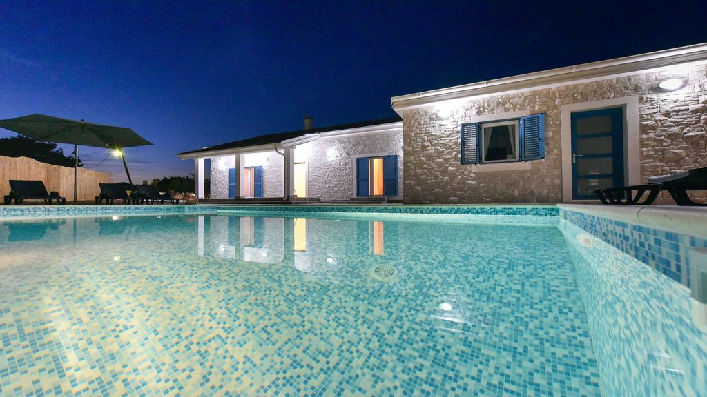 VILLA OLEANDAR WITH POOL-your dream vacation