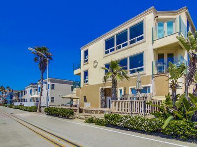 Photo for Upscale condo with amazing ocean front views!!