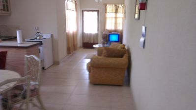Photo for Apartment 6 Balcony Rock 6 minutes walk to the beach and facilities