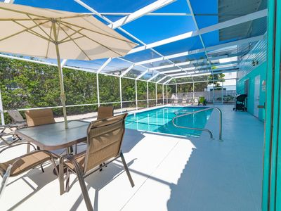 Seahorse Cove:  Tremendous Duplex, Large Screened Pool (heated), Close to Beach