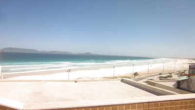 Photo for 2 bedroom apartment apt 1 room with a maid very close to Praia do Forte