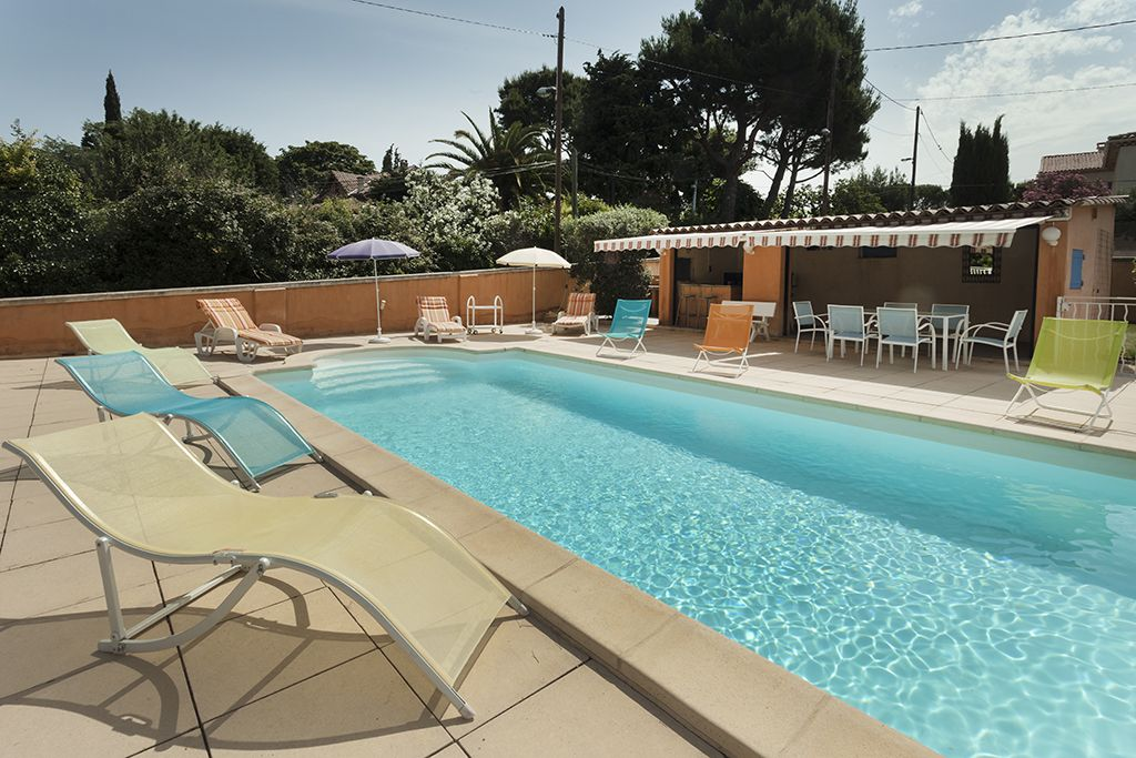 Property Image#2 Modern Villa With Swimming Pool Marseille