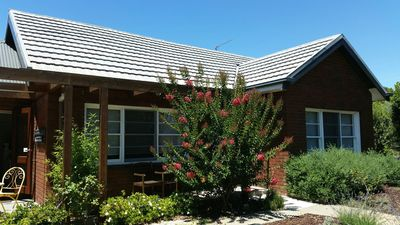 Photo for CHENERY RETREAT Mansfield Accommodation