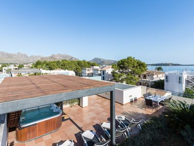 Photo for Penthouse La Nau with beach views