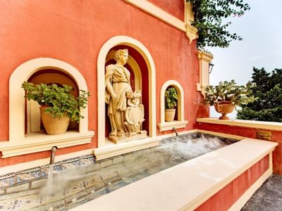 Photo for 5 bedroom Villa, sleeps 9 in Positano with Pool, Air Con and WiFi