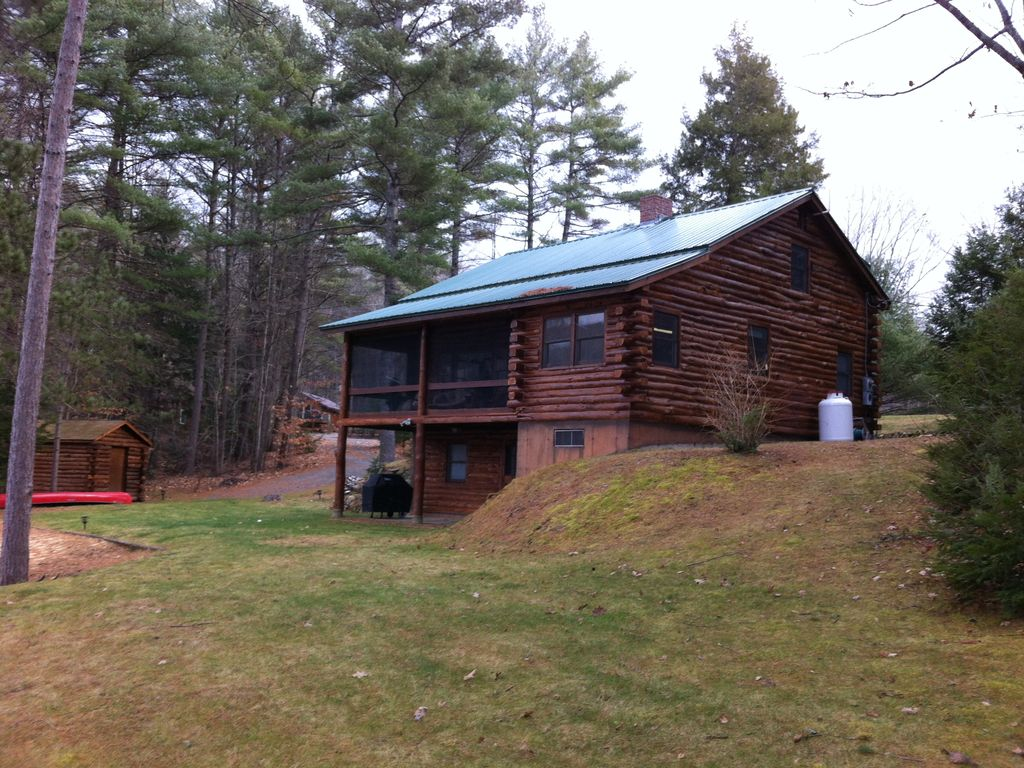 Waterfront Log Home On 220 Acre Hermit Lake In The Lakes