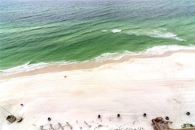 The Ocean is calling you! - You may find it hard to stay indoors with the beach so close!