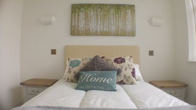Photo for Beautiful serviced apartment in Reigate