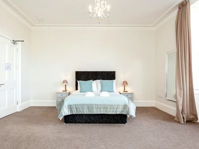 Photo for Super central Luxury in ❤ of Edinburgh's Historic New Town