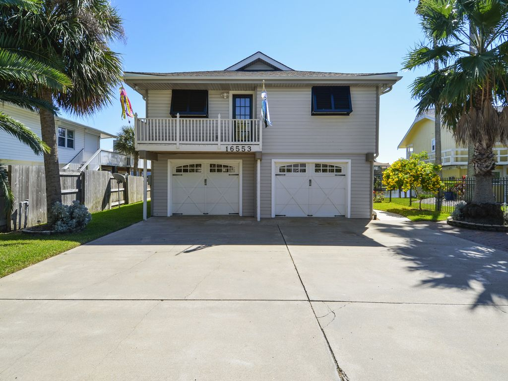Big canal front home in Jamaica Beach, nigh... - VRBO