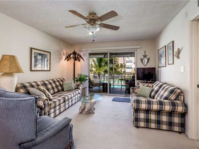 Photo for Leonardo Arms 207, Gulf Front Condo, 1 Bedroom, Heated Pool, WiFi, Sleeps 4