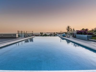 Photo for Fantastic Panoramic Ocean View, Private Pool, 5 min drive to the beach