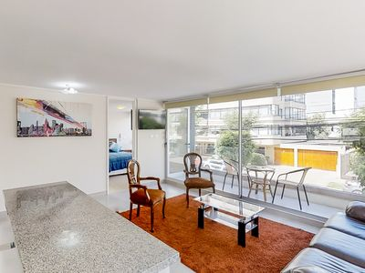 Photo for Luminoso depto con balcón privado - Bright condo w/private balcony