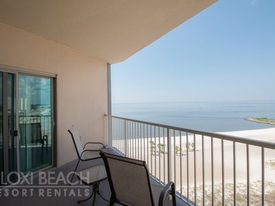 Photo for Penthouse Suite w/ WiFi, Great Views, Balcony, Grill, Resort Pool & Gym Access