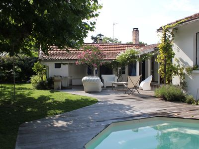 Photo for Charming family house with swimming pool basin of Arcachon