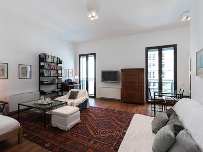 Photo for Isola area apartment a few steps from Corso Como and Central Station