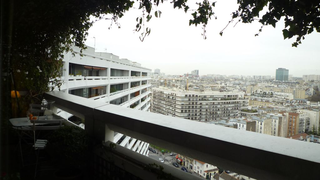 Amazing View on Paris, Eiffel Tower!! 2 Bedrooms with Balcony!