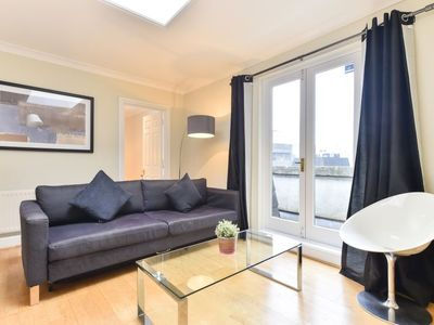 Photo for Apartment Creechurch in London City - 2 persons, 1 bedrooms