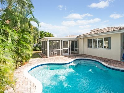 Photo for The Flamingo House awaits in Heart of Lauderdale by the Sea!
