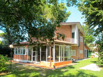 Photo for Vacation home Ronchi (MAS350) in Marina di Massa - 8 persons, 4 bedrooms