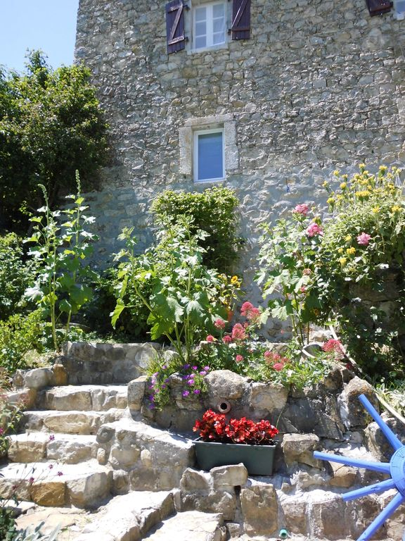 ardèchoise beautiful stone house in the southern Ardeche private pool