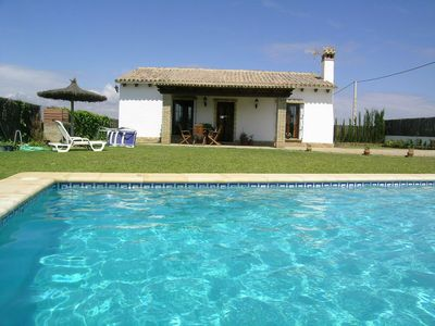 Photo for Comfortably furnished villa with private pool in the pine-forest behind the Urb. Roche for 5 persons, with wifi
