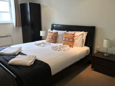 Photo for Deluxe 1-Bedroom Apartment in London's Shoreditch