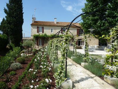 Photo for Charming renovated farmhouse in the heart of the Alpilles.
