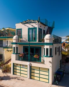 Photo for Stay In the Heart of Venice In a Private Condo