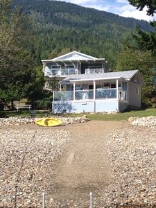 Photo for Dream Vacation On The Lake, Family Friendly. Right on the beach.