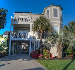 Pet Friendly w/ Private Pool & Elevator Access @ Crescent Beach's Doutt House